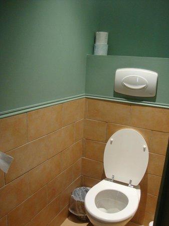 Hotel Garlande : Separate WC
