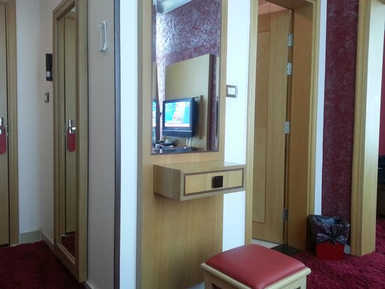 Libya Hotel: suite from inside