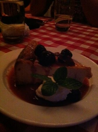 Buca's Tuscan Roadhouse: cheesecake with figs! delicious.
