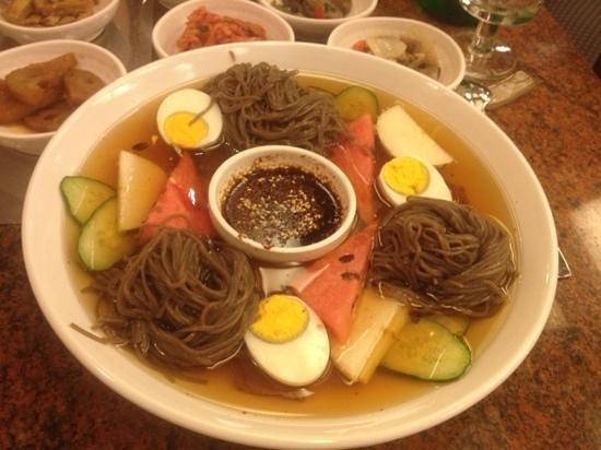 Bi Won Ristorante Coreano: spaghetti in brodo