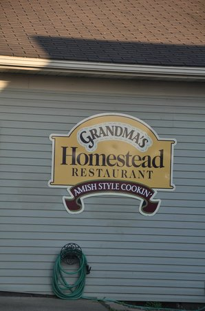 Grandma's Homestead Restaurant: sign out front