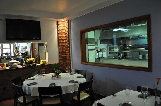 vista de la cocina desde el comedor - Picture of Restaurante El ...