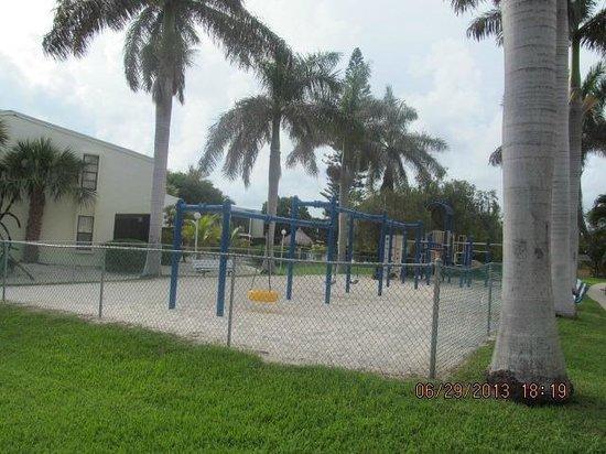 Kawama Yacht Club: playground