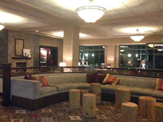 Omni Interlocken Hotel: Sitting Area