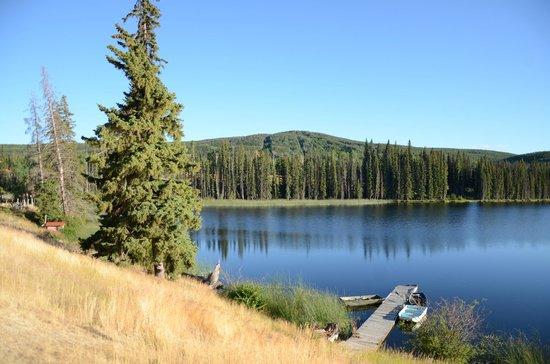 Lac le Jeune Resort : On the lakeshore