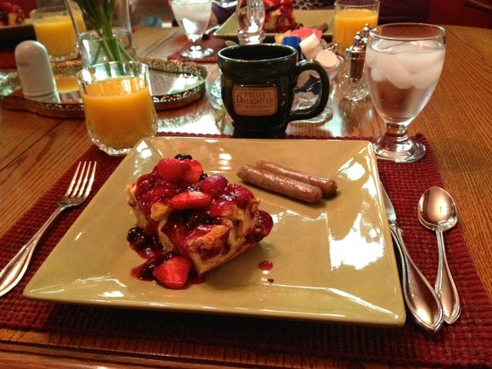 The Miller's Daughter Bed and Breakfast : Sunday Breakfast