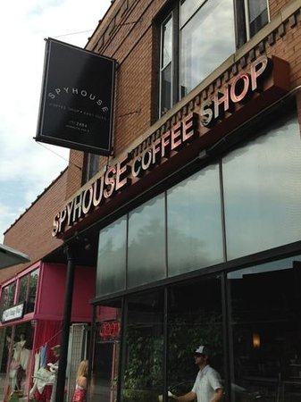 Spyhouse Coffee Shop: outside