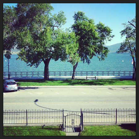 Lakeshore House: View from the lavender room