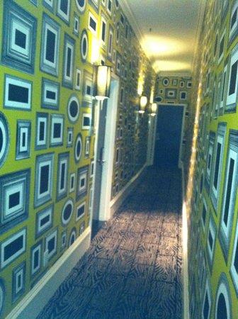 Moderne Hotel: 7th floor hallway