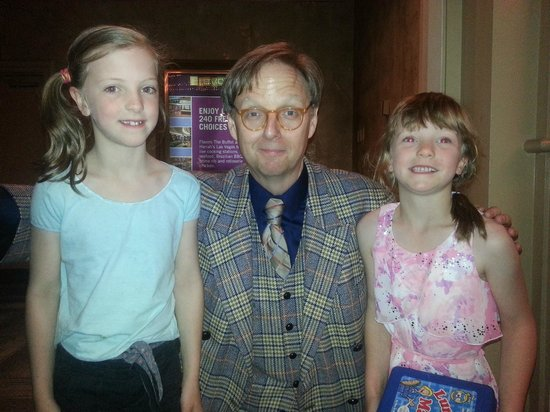 Mac King Comedy Magic Show: Mac King and two new fans!