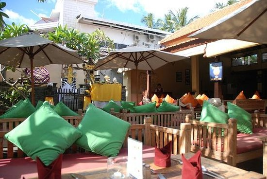 Adhi Jaya Hotel: restaurant