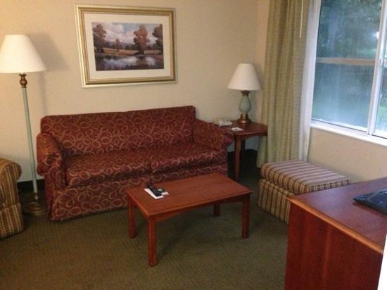 Homewood Suites Tallahassee : living room