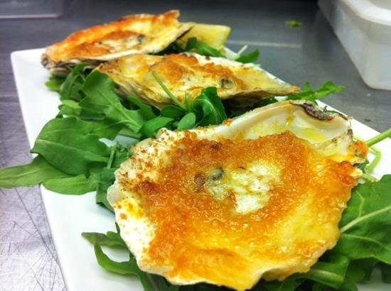 Nosh Tavern : Charbroiled Oysters