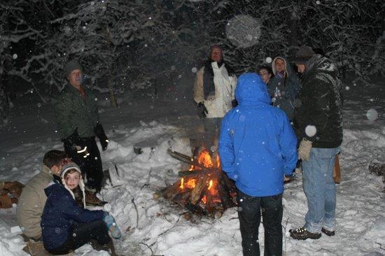 Alaska's Harvest B&B : winter bon-fire
