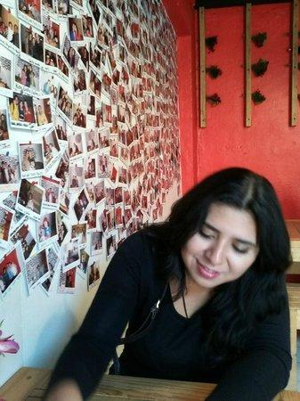Carajillo Café: el mural de fotografias