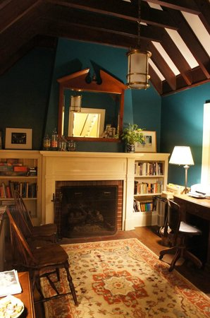 The Lancaster Bed and Breakfast : The study