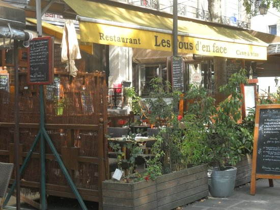 France Louvre: a pocos metros del hotel zona de restaurantes, bares