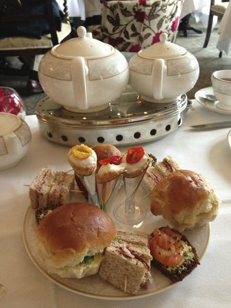The Shelbourne Dublin, A Renaissance Hotel : Our tea!