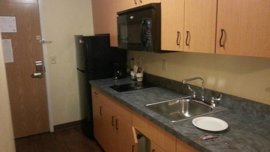 Aspen Extended Stay Suites: Kitchen