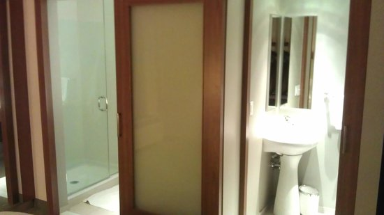 SpringHill Suites Columbus OSU: Sink in water closet area (with sliding doors) & Sliding doors - Picture of SpringHill Suites Columbus OSU ... Pezcame.Com