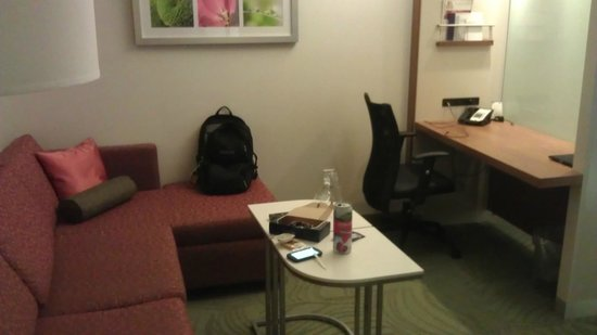 SpringHill Suites Columbus OSU: Sitting/Desk Area