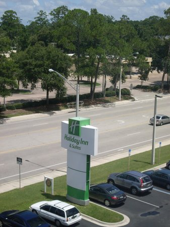 Holiday Inn Hotel & Suites Orange Park : Signage on Wells Rd