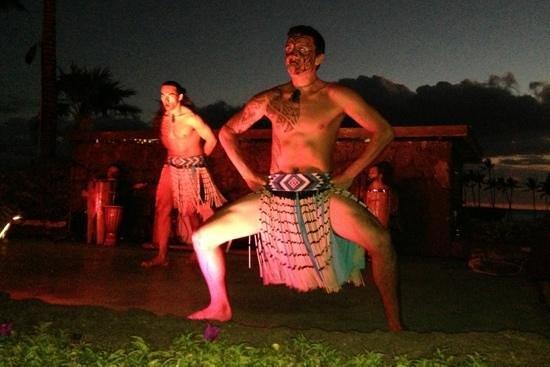 Sunset Luau at the Waikoloa Beach Marriott: great entertainment