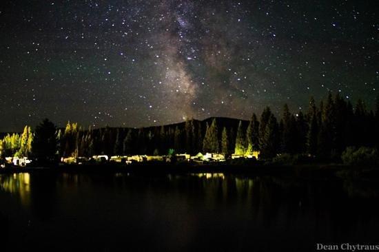 Yellowstone Koa Mountainside : the night sky at Lionshead