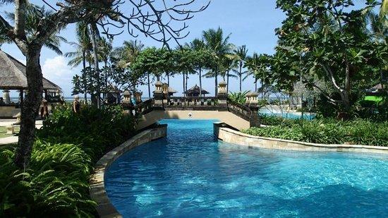 Conrad Bali: Lagoon