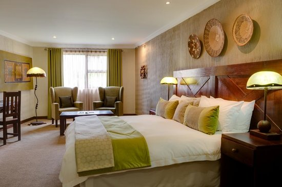 Christiana Hotel & Conference Centre: Luxury room