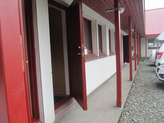 Hotel Hafnarfjall: The rooms doors
