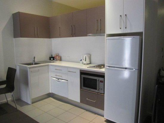 Miller Apartments Adelaide : Kitchenette