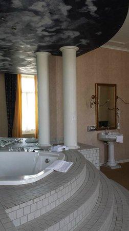 Fletcher Hotel Paleis Stadhouderlijk Hof : Jacuzzi/badkamer
