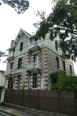 Villa Frivole Chambres D'Hotes B&B