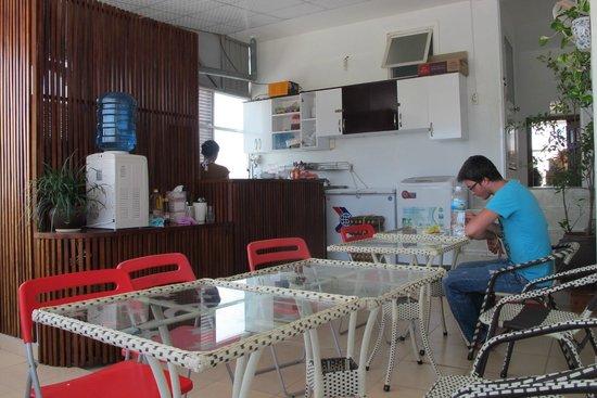 Mojzo Inn: Cafe
