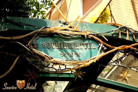 Sourire Hotel: Dettaglio ingresso principale