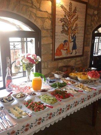 Urkmez Hotel: Breakfast Buffet