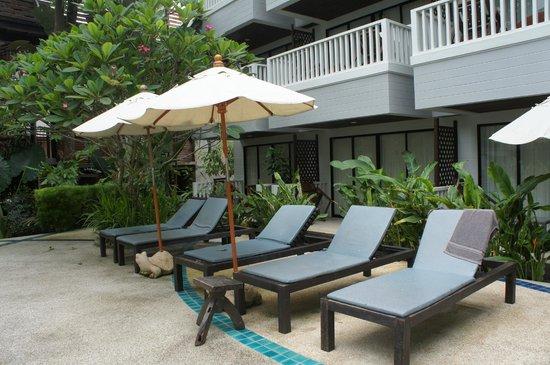 Aonang Buri Resort: สระว่ายน้ำ