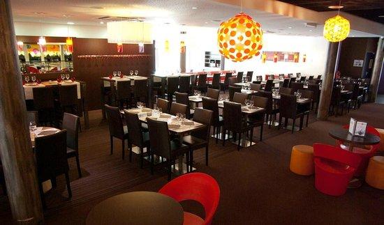 Bowling central Park: La salle de restaurant côté pistes