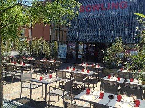 Bowling central Park: Notre terrasse ensoleillée