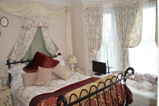 Eureka Guest House: Room 3