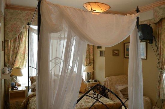 Eureka Guest House: Room 4