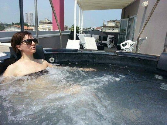 Q Hotel: Yacuzzi e solarium