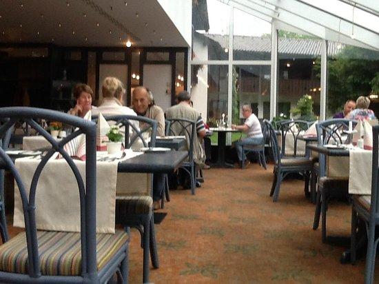 H+ Hotel Alpina Garmisch-Partenkirchen : Завтрак