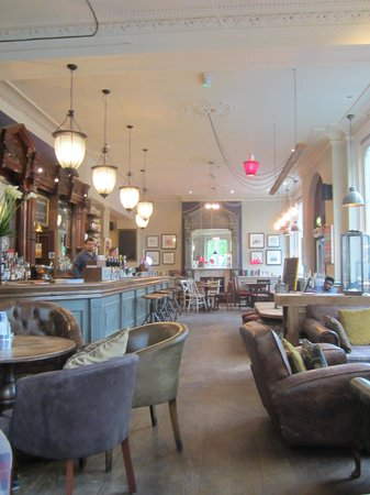 Restaurant at Brook Green Hotel: Lounge and bar