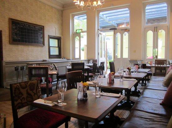 Restaurant at Brook Green Hotel: Dining room