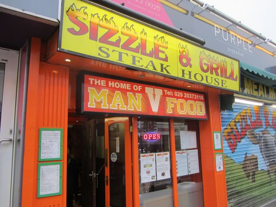 Sizzle and Grill Steak House: Street view