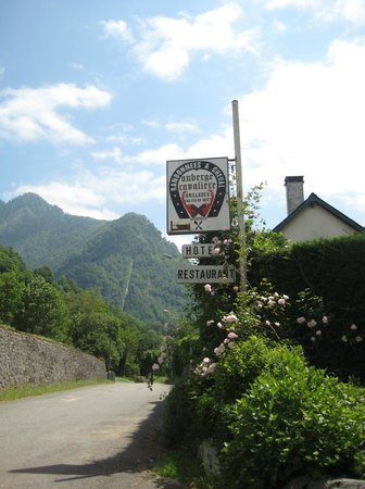 Auberge Cavaliere : A view up the Accous Valley
