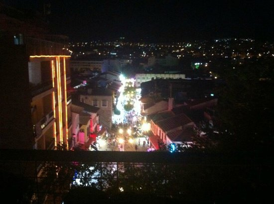 Akdeniz Apart Hotel: From the roof terrace by night