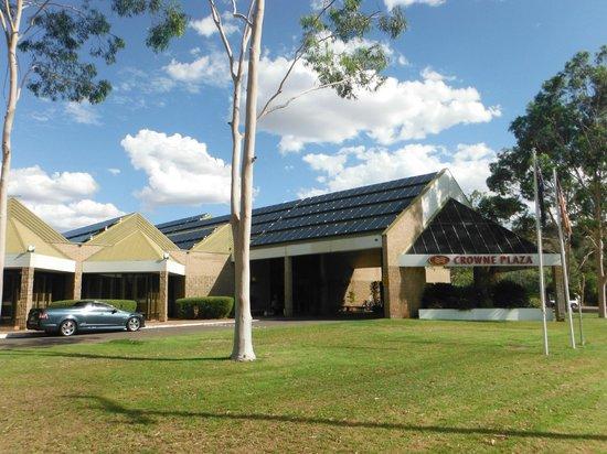 DoubleTree by Hilton Hotel Alice Springs: Hotel z zewnątrz,